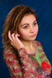 Mujer joven con los dreadlocks Imagenes de archivo
