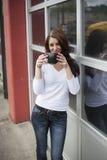 Mujer joven con los ojos azules hermosos Imagen de archivo libre de regalías