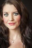Mujer joven con los ojos azules hermosos Imagen de archivo