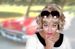 Mujer joven con maquillaje del contacto-para arriba Foto de archivo