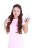 Mujer joven de la belleza con el espejo Imagen de archivo