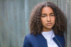 Mujer joven de la raza mixta de la muchacha afroamericana triste del adolescente Fotografía de archivo libre de regalías