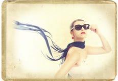 Mujer joven de la tarjeta retra Fotografía de archivo libre de regalías
