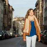 Mujer joven de moda hermosa Imagen de archivo libre de regalías