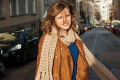 Mujer joven de moda hermosa Fotografía de archivo libre de regalías