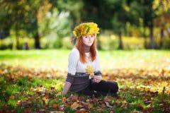 Mujer joven del adolescente del redhead Foto de archivo libre de regalías