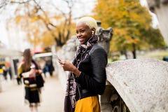 Mujer joven del afroamericano Foto de archivo libre de regalías