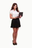 Mujer joven del negocio que trabaja con el ordenador portátil Fotos de archivo