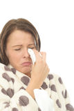 Mujer joven deprimida trastornada apenada que llora y que limpia los rasgones ausentes Fotografía de archivo libre de regalías