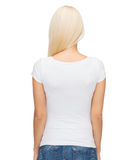 Mujer joven en camiseta blanca en blanco Foto de archivo libre de regalías