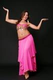 Mujer joven en danza oriental foto de archivo libre de regalías