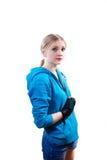 Mujer joven en guantes de boxeo Imagenes de archivo