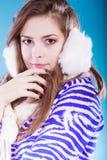 Mujer joven en invierno Imagen de archivo