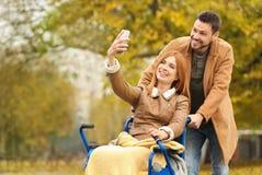 Resultado de imagen de mujer y marido en silla de ruedas