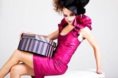 Mujer joven en traje de la vanguardia Imagen de archivo