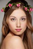 Mujer joven encantadora Foto de archivo libre de regalías