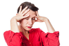 Mujer joven exasperada con el agotamiento para el dolor de cabeza imágenes de archivo libres de regalías
