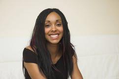Mujer joven feliz Fotografía de archivo libre de regalías