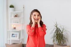 Mujer joven feliz en el país Imagen de archivo libre de regalías