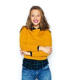 Mujer joven feliz o muchacha adolescente en ropa casual Fotos de archivo libres de regalías