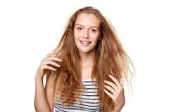 Mujer joven hermosa con el pelo del vuelo Fotos de archivo libres de regalías