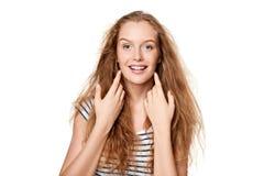 Mujer joven hermosa con el pelo del vuelo Imágenes de archivo libres de regalías