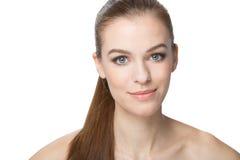 Mujer joven hermosa con el pelo largo sano, centrado, isoled Foto de archivo