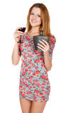 Mujer joven hermosa con la bebida alcohólica Fotos de archivo libres de regalías