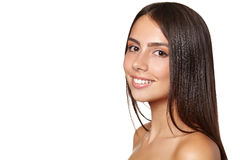 Mujer joven hermosa con la piel limpia fresca Imagen de archivo