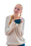 Mujer joven hermosa con la taza de té foto de archivo