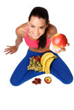 Mujer joven hermosa con las frutas Fotos de archivo