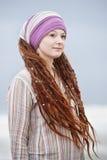 Mujer joven hermosa con los dreadlocks Imagen de archivo libre de regalías