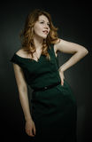 Mujer joven hermosa con los pelos rojos Imagen de archivo