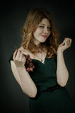 Mujer joven hermosa con los pelos rojos Imagen de archivo libre de regalías