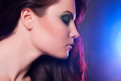 Mujer joven hermosa con maquillaje. fotografía de archivo libre de regalías