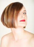 Mujer joven hermosa con maquillaje natural Fotos de archivo libres de regalías