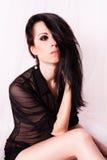 Mujer joven hermosa con maquillaje y pelo largo. foto de archivo libre de regalías