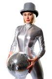 Mujer joven hermosa con una bola del disco Fotografía de archivo libre de regalías