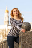 Mujer joven hermosa de la ciudad Fotos de archivo libres de regalías