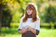 Mujer joven hermosa del adolescente del redhead Imagenes de archivo