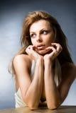 Mujer joven hermosa del retrato Imagenes de archivo