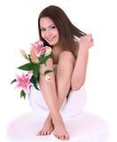 Mujer joven hermosa en balneario. Foto de archivo