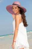 Mujer joven hermosa en Miami Beach Imágenes de archivo libres de regalías