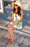 Mujer joven hermosa en Niza Imágenes de archivo libres de regalías