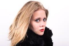 Mujer joven hermosa en semi perfil Fotografía de archivo libre de regalías