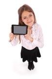 Mujer joven hermosa que sostiene la tableta digital Foto de archivo libre de regalías