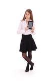 Mujer joven hermosa que sostiene la tableta digital Imágenes de archivo libres de regalías