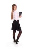 Mujer joven hermosa que sostiene la tableta digital Fotografía de archivo libre de regalías