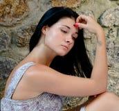 Mujer joven hermosa triste Fotografía de archivo libre de regalías
