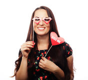 Mujer joven juguetona lista para el partido Imagenes de archivo